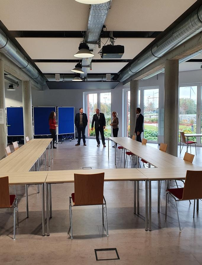 Unternehmertreffen Nordwest Emden Raum 1